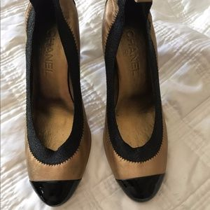 Authentic Chanel Gold Leather Spirit Pumps